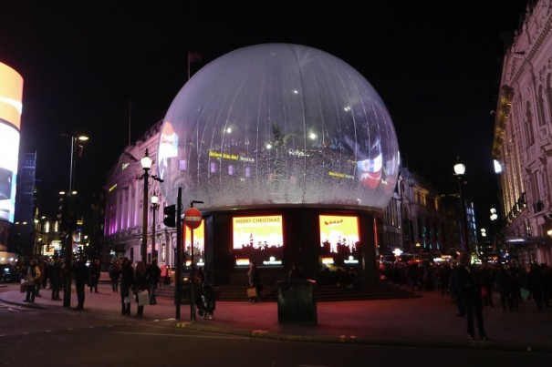 XL Video Eros Snow Globe Londres