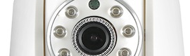 Eminent e-CamView EM6220: cámara IP con movimiento panorámico y LED infrarrojos