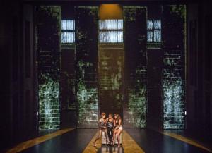 Robe ilumina el musical Hoy no me puedo levantar (Foto: José Carlos Nievas)