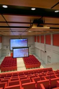 Solucion audiovisual iGuzzini con Christie y pantalla Da-Lite