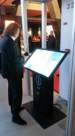 ISE2014 wayfiding kioscos