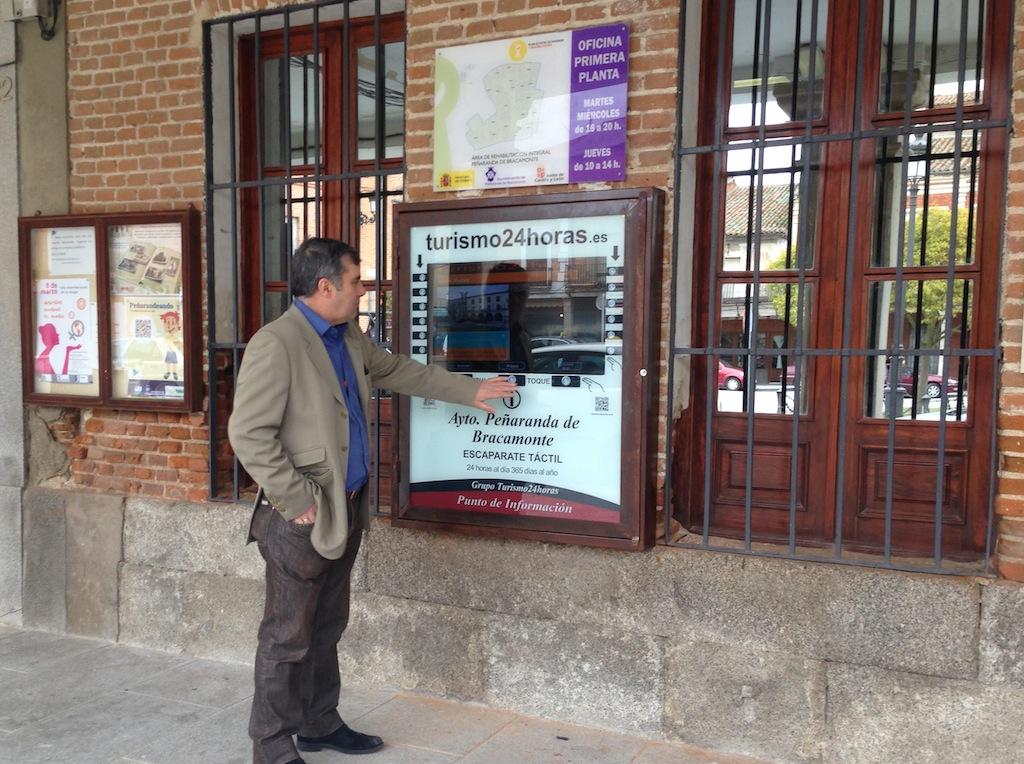Las pantallas led interactivas de grupo turismo24horas promocionan salamanca y sus municipios - Oficina de turismo en salamanca ...