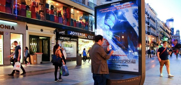 JCDecaux campaign Spider-Man