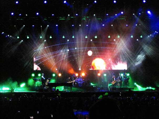 Robe en gira Elton Jhon Brasil