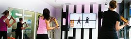 La red de señalización digital instalada en los gimnasios Basic-Fit ofrece una experiencia más saludable