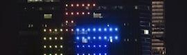 Una fachada digital LED de 29 pisos para jugar al Tetris y celebrar el aniversario de su invención