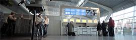 El aeropuerto de Eindhoven instala un videowall para informar a los viajeros del estado de sus vuelos