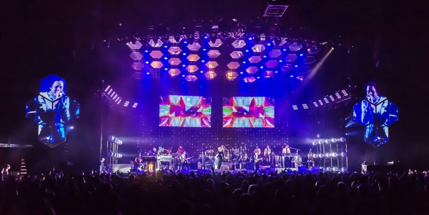 XL Video con Arcade Fire
