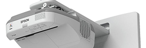 Epson EB-1430Wi, interactive projectors 3LCD short ultra distance with touch control