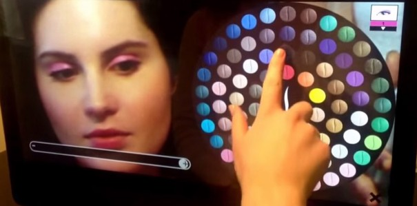 Sephora instala espejo AR ModiFace