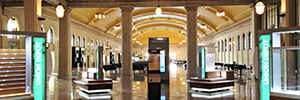 The transportation hub Union Depot is immersed in the digital signage without losing its neoclassic