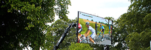 The 2014 Tour de France was followed live from LED screens equipped with technology Calibre