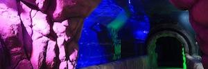 Los sistemas de Elation crean una atmósfera de ambientes de luz acuáticos en Inbursa Aquarium