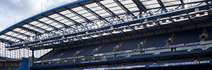 Philips implanta en el estadio Stamford Bridge la solución de iluminación LED ArenaVision