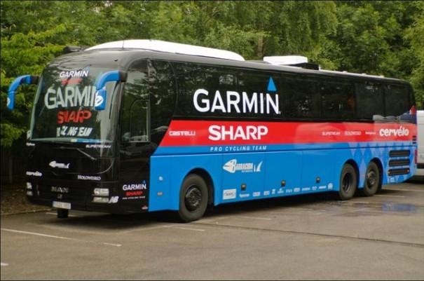 Vuelta ciclista autobus sharp-garmin