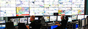 The control center manages security Glasgow city from the videowall of Eyevis