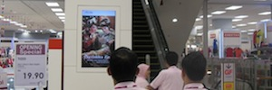 Digital signage at the point of sale managed by Navori QL Aeon stores
