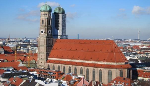 Panasonic Catedral de Nuestra Senora Frauenkirche