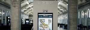 Tecnología de señalización digital dinámica e interactiva para guiar a los pasajeros en tránsito