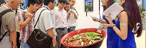 VIA muestra cómo serán los restaurantes del futuro con un bol de 'fideos inteligentes' que interactúa con los usuarios
