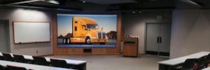 Retroproyección óptica en HD de dnp denmark para resolver los problemas de espacio en salas de reuniones