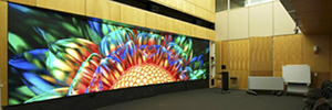 A video wall built with MicroTiles is used by Stanford University as educational tool