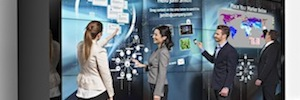 MultiTouch presenta su sistema interactivo 9-unit MultiTaction iWall para salas de juntas