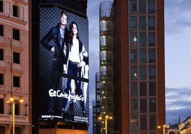 El corte ingles commitment dooh led technology with a for El corte ingles callao
