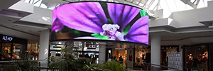 The mall La Vaguada circular installed 38 square meters a Led screen