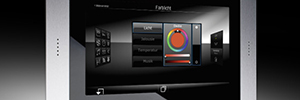 Jung Smart-Panel KNX 5.1: pantalla táctil para el control de sistemas KNX