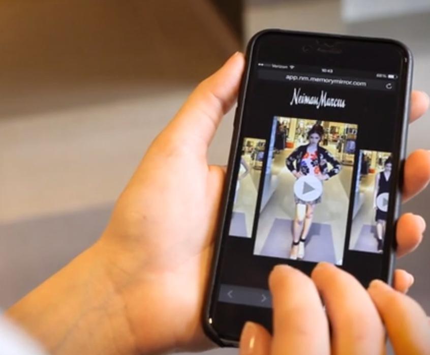 Neiman marcus installa uno specchio digitale per offrire ai propri clienti un 39 esperienza - Test dello specchio ...