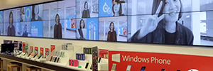Microsoft creates an experience for them customers interact with the network of digital signage of their stores
