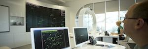 Christie MicroTiles fomenta la colaboración y simulación del operador de tráfico aéreo NATS