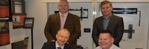 Peerless AV firma una alianza estratégica con TD Maverick Europe para distribuir sus productos en EMEA