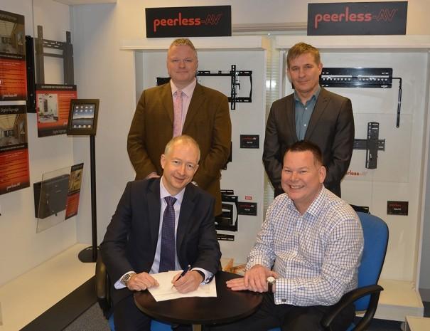 Peerless-AV acuerdo con TD Maverick Europe