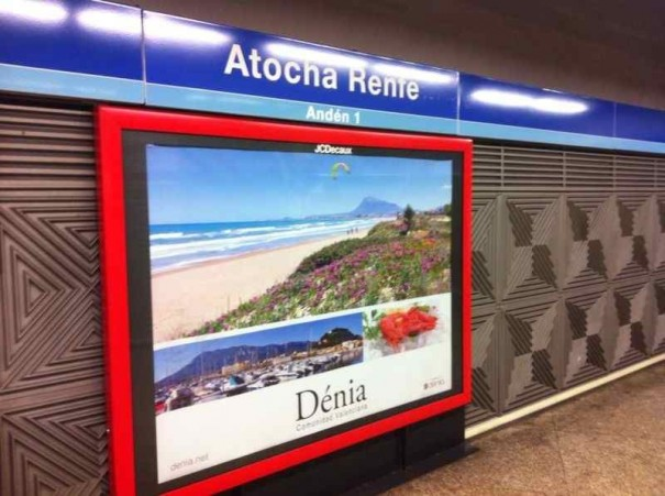 Publicidad estacion de tren
