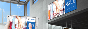 Digital signage and DooH improve moderately positions in sales, according to Ovad and Context