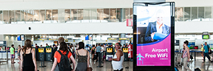 AENA modernizes the facilities advertising of those airports Spanish with screens from Panasonic