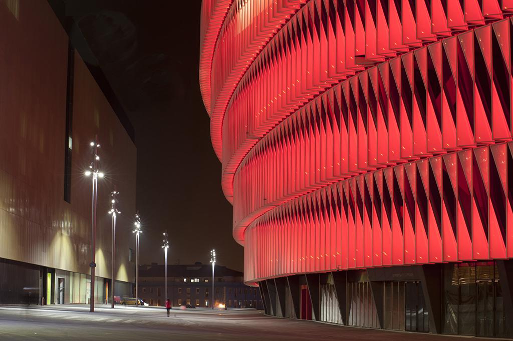 El estadio de san mam s brilla con una iluminaci n - Iluminacion bilbao ...