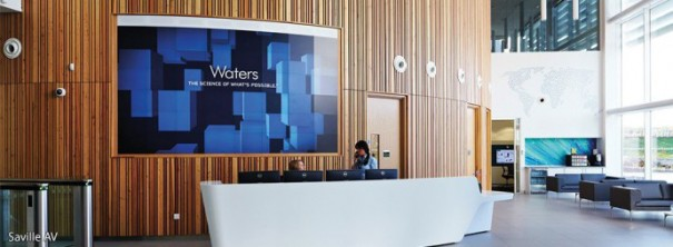 Eyevis videowall curvo en Waters