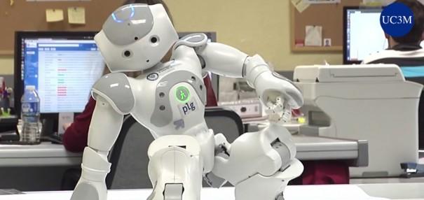 روبوت UC3M الطبيب المعالج