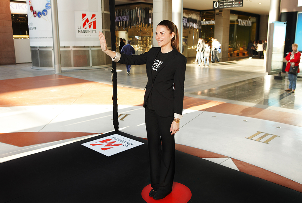 Centro commerciale la maquinista a barcellona installa due tester virtuale aimirror - Centro comercial maquinista barcelona ...