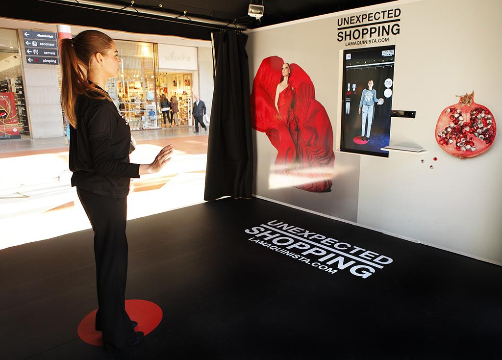 El centro comercial la maquinista de barcelona instala dos - Centro comercial maquinista barcelona ...