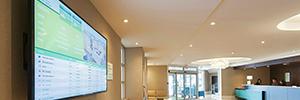 El digital signage ayuda al Holiday Inn Calgary a interactuar con los huéspedes del hotel
