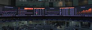 Wavetec instala una pantalla Led indoor curva de 54 metros en la Bolsa Mexicana de Valores