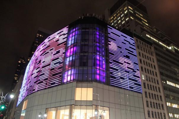 Clay Paky  y Barco iluminan H&M Nueva York