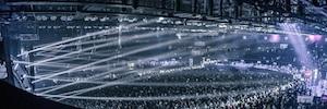 El programa de radio Asot se ilumina con sistemas de Elation para su emisión en vivo desde Mumbai