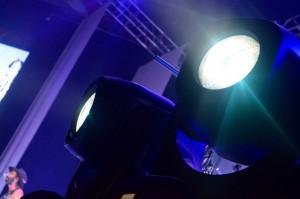 Clay Paky ilumina concierto de Leyva