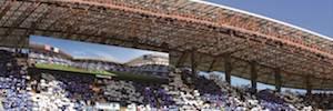 Trisón Worldwide inicia la instalación de dos pantallas Led gigantes en el Estadio de Riazor