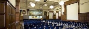 Tecnología de proyección de Christie para el Magdalen College y otras instalaciones educativas